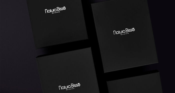 add a touch of color to your black friday - Natura Bissé